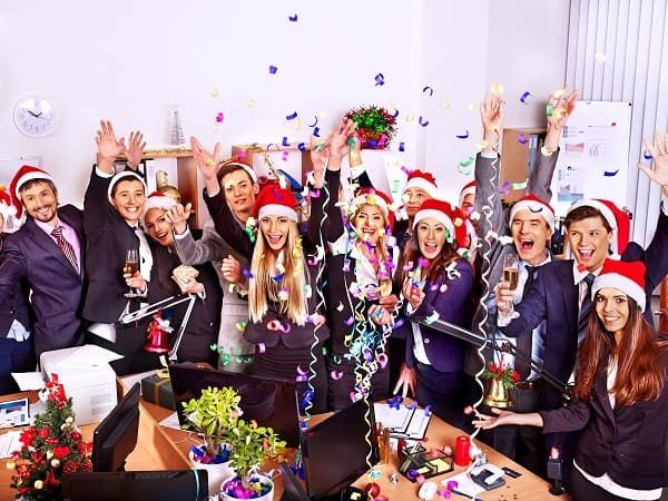 5 Essential Cleaning Tips for Planning a Festive Office Party